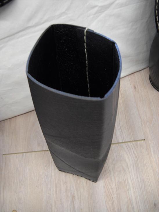 porte parapluie en pneu recycl tendance ecolo. Black Bedroom Furniture Sets. Home Design Ideas